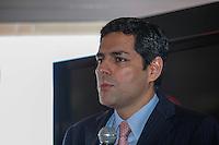 ATENCAO EDITOR, FOTOS EMBARGADAS PARA VEICULOS INTERNACIONAIS - CAMPOS DE JORDAO, SP, 05 DE SETEMBRO 2012 - TECNOLOGIA 4G - O presidente da Claro Carlos Zenteno durante coletiva de imprensa para anunciar o lancamento da tecnologia 4G que comeca operar no Brasil no primeiro semestre de 2013, evento realizado no Chris Park Hotel de Campos do Jordao interior de Sao Paulo nessa quarta-feira, 05. FOTO: VANESSA CARVALHO - BRAZIL PHOTO PRESS.
