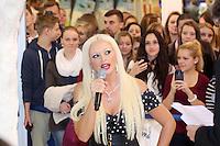 TV-Star Daniela Katzenberger stellt ihr Buch Katze sucht Kater auf der Frankfurter Buchmesse am Stand von Bastei/Lübbe vor