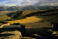 Europe/France/Languedoc-Roussillon/66/Pyrénées -Orientales/Env de Font Romeu : Ferme et monts de Cerdagne