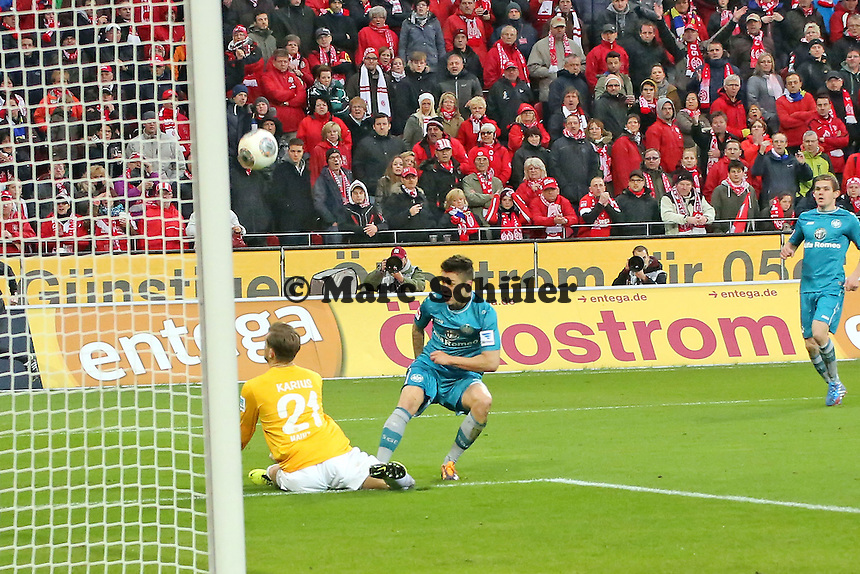 Parade von Loris Karius (Mainz) gegen Vaclav Kadlec (Eintracht) - 1. FSV Mainz 05 vs. Eintracht Frankfurt, Coface Arena, 12. Spieltag