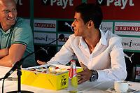GRONINGEN - Voetbal, Presentatie Uriel Antuna , FC Groningen , Noordlease stadion, seizoen 2017-2018, 21-08-2017, Uriel Antuna met taart en Peter Hoekstra