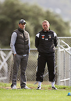 Phoenix coach Ricki Herbert (right) talks to Ben Sigmund during the Wellington Phoenix A-League football training session Training Session at Newtown Park, Wellington, New Zealand on Monday, 4 May 2009. Photo: Dave Lintott / lintottphoto.co.nz