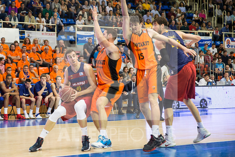 FC Barcelona Lassa's Victor Claver during the match of Endesa ACB League between Fuenlabrada Montakit and FC Barcelona Lassa at Fernando Martin Stadium in fuelnabrada,  Madrid, Spain. October 30, 2016. (ALTERPHOTOS/Rodrigo Jimenez)