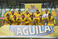 ARMENIA - COLOMBIA - 29-08-2015: Jugadores del Atletico Huila  posan para una foto previo al encuentro con Independiente Medellin por la fecha 9 de la Liga Aguila II 2015 jugado en el estadio Centenario de Armenia. / Players of  Atletico Huila pose to a photo prior a match against Independiente Medellin for the ninth date of the Liga Aguila II 2015 played at Centenario stadium in Armenia  city. Photo: VizzorImage / Inti