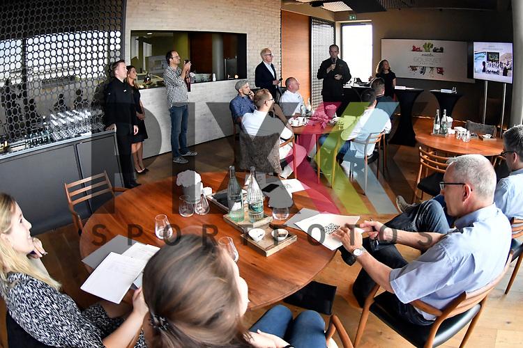 Mannheim 21.07.17 Pressegespraech &bdquo;engelhorn Gourmetfestival mit neuem Konzept&ldquo; im Bild In der Bildmitte Tristan Brandt bei seinen Ausfuehrungen.<br /> <br /> Foto &copy; Ruffler For editorial use only. (Bild ist honorarpflichtig - No Model Release!)