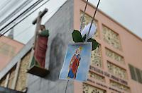 SÃO PAULO, 28.10.2013 – DIA DE SÃO JUDAS TADEU: Fiéis celebram o  dia de São Judas Tadeu, conhecido como o santo das causas impossíveis no Santuário de São Judas no bairro do Jabaquara em São Paulo . Foto: Levi Bianco – Brazil Photo Press