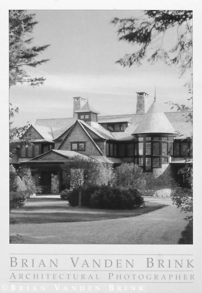 PRIVATE RESIDENCE<br /> Lake Sunapee, New Hampshire<br /> Shope Reno Wharton, Architects &copy; Brian Vanden Brink, 2004