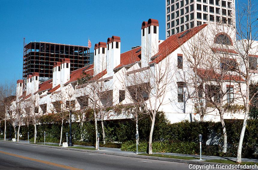 San Diego: Park Row Condominiums on Kettner Blvd.