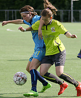 Famkes Westhoek Diksmuide   -  Saint Ghislain  :  Pittig duel met Debbie Decoene van de Famkes en Alyson Bielski .<br /> foto VDB / BART VANDENBROUCKE