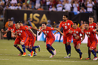 NEW JERSEY - UNITED STATES, 26-06-2016: Jugadores de Chile celebran como campeones después del encuentro entre Argentina (ARG) y Chile (CHI) durante partido por la final de la Copa América Centenario USA 2016 jugado en el estadio Metlife en New Jersey, NJ, USA. /  Players of Chile celebrate as champions after the match between Argentina (ARG) and Chile (CHI) for the final of the Copa América Centenario USA 2016 played at Metlife stadium in New Jersey, NJ, USA. Photo: VizzorImage/ Luis Alvarez /Str