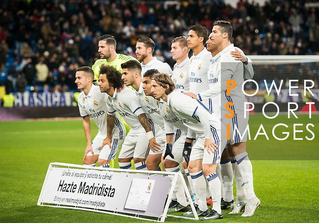 Players of Real Madrid line up and pose for a photo during their Copa del Rey 2016-17 Quarter-final match between Real Madrid and Celta de Vigo at the Santiago Bernabéu Stadium on 18 January 2017 in Madrid, Spain. Photo by Diego Gonzalez Souto / Power Sport Images