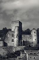 Europe/France/Midi-Pyrénées/12/Aveyron/Vallée de l'Aveyron/Belcastel : Le château
