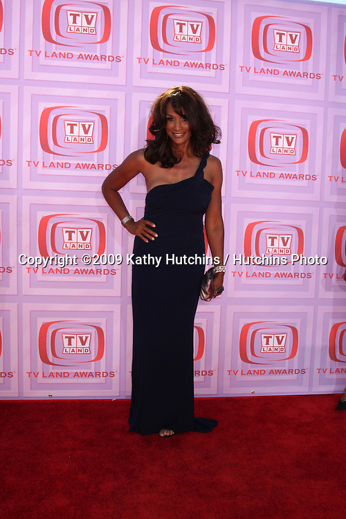 Beverly Johnson  arriving at the TV Land Awards at the Gibson Ampitheater at University City,  California on April 19, 2009.©2009 Kathy Hutchins / Hutchins Photo....                .