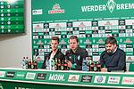 06.12.2018, Weserstadion, Bremen, GER, 1.FBL, PK SV Werder Bremen<br /> <br /> im Bild <br /> <br /> Übersicht, Sebastian Langkamp (Werder Bremen #15), Florian Kohfeldt (Trainer SV Werder Bremen), Michael Rudolph (Direktor Kommunikation Werder Bremen), <br /> bei PK / Pressekonferenz vor dem Heimspiel gegen Fortuna Duesseldorf, <br /> <br /> Foto © nordphoto / Ewert
