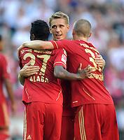 FUSSBALL   1. BUNDESLIGA  SAISON 2011/2012   5. Spieltag FC Bayern Muenchen - SC Freiburg         10.09.2011 JUBEL nach dem TOR David Alaba, Nils Petersen , Bastian Schweinsteiger (v. li., FC Bayern Muenchen)