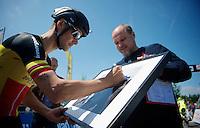 Heistse Pijl 2013<br /> <br /> Tom Boonen (BEL) at the start, signing a Kramon-print