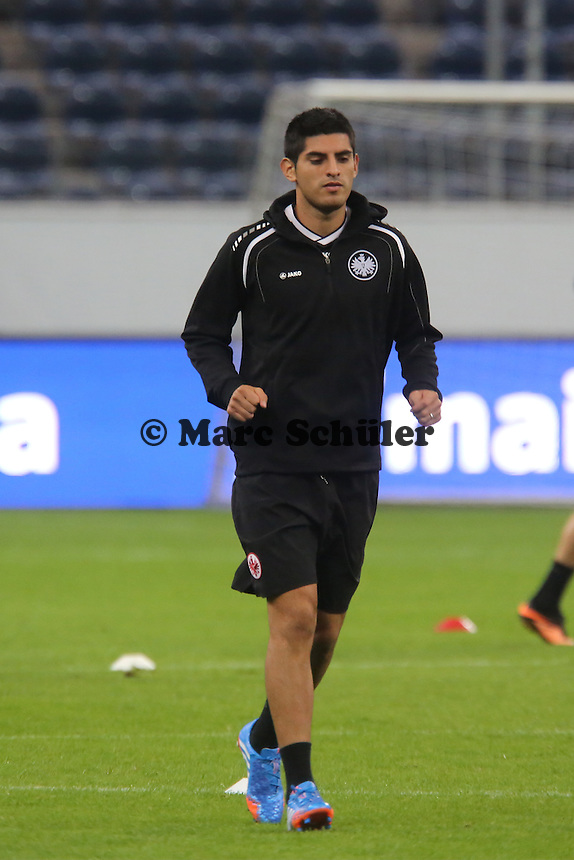 Carlos Zambrano (Eintracht) - Training zur Begegnung der Europa League Eintracht Frankfurt vs. Girondins Bordeaux
