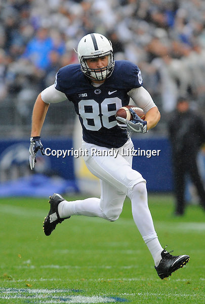 08 October 2016:  Penn State TE Mike Gesicki (88) runs after a catch. The Penn State Nittany Lions defeated the Maryland Terrapins 38-14 at Beaver Stadium in State College, PA. (Photo by Randy Litzinger/Icon Sportswire)