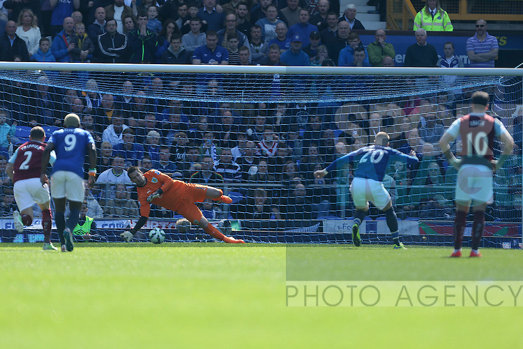 Tom Heaton of Burnley saves a penalty kick from Ross Barkley of Everton - Everton vs. Burnley - Barclay's Premier League - Goodison Park - Liverpool - 18/04/2015 Pic Philip Oldham/Sportimage
