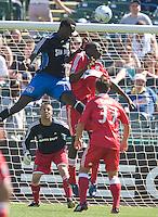 Kei Kamara heads the ball towards goal as goalkeeper Jon Busch looks on, .Chicago Fire over the San Jose Earthquakes 0-1, Saturday, April 12, 2008, Oakland, California.