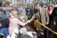 Mariano Rajos saludando al público. Fallas 2011, Valencia, España