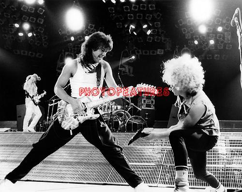 Van Halen 1986 Eddie Van Halen and Sammy Hagar