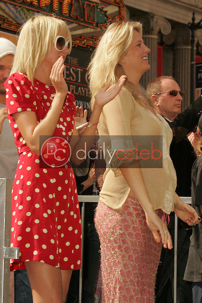 Kimberly Stewart and Penny Lancaster<br />at the Ceremony Honoring Rod Stewart with a star on the Hollywood Walk of Fame. Hollywood Boulevard, Hollywood, CA. 10-11-05<br />Dave Edwards/DailyCeleb.com 818-249-4998