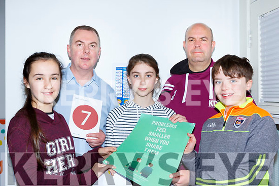 Gaelscoil Aogain Castleisland pupils l-r: Ava Radden, Tim O'Donoghue KDYS Chairman, Sinead Oliver Garett KDYS Youth Development manager and Daire O'Brien at the KDYS Health and Wellbeing day on Friday