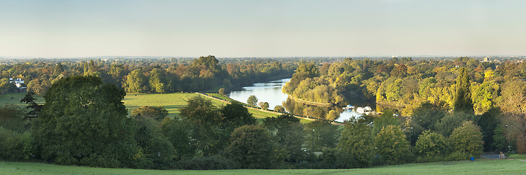 River Thames from Richmond Hill in the autumn, Surrey, Uk