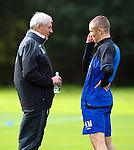 Walter Smith chats to Kenny Miller