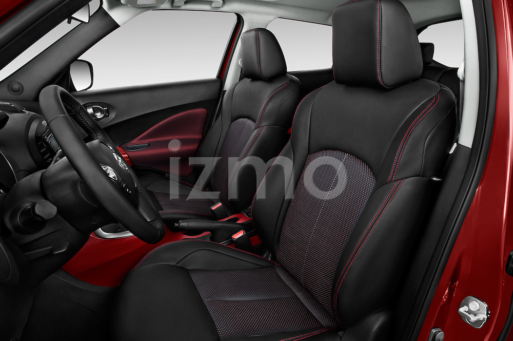 Front seat view of a 2015 Nissan Juke Acenta 5 Door Suv Front Seat car photos