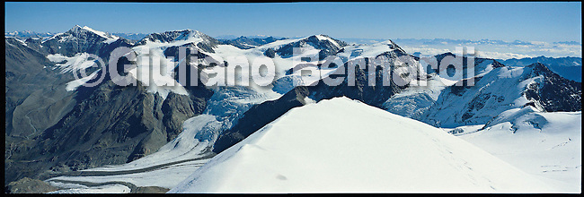 PJ451 Val di Pejo in inverno, immagini dei villaggi,delle montagne, delle baite, delle piste di sci e attivit&agrave; sportive,<br /> Pejo in winter, images of the villages, mountains, mountain huts, the ski slopes and sporting activities,<br /> Pejo im Winter, Bilder der D&ouml;rfer, Berge, Bergh&uuml;tten, den Skipisten und sportlichen Aktivit&auml;ten,<br /> Pejo en hiver, les images des villages, des montagnes, des cabanes de montagne, les pistes de ski et des activit&eacute;s sportives,<br /> Pejo en invierno, las im&aacute;genes de los pueblos, monta&ntilde;as, refugios de monta&ntilde;a, las pistas de esqu&iacute; y actividades deportivas,<br /> Pejo fi fasl alshshata'a, sur min alquraa waljibal wal'akwakh aljabaliat, wamunhadarat alttazalluj wal'anshitat alrriadia,<br /> Pejo的冬天,鄉村,山區,山木屋,滑雪場和體育活動的圖像,<br /> 冬のペヨ、村、山、山の小屋、スキー場やスポーツ活動のイメージ,<br /> Pejo in de winter, beelden van de dorpen, bergen, berghutten, de skipistes en sportieve activiteiten,<br /> Pejo w zimie, obrazy wsi, g&oacute;r, schronisk g&oacute;rskich, stok&oacute;w narciarskich i uprawiania sportu,<br /> Pejo no inverno, as imagens das aldeias, montanhas, abrigos de montanha, pistas de esqui e actividades desportivas,<br /> Pejo t&eacute;len, a k&eacute;pek a falvak, hegyek, hegyi, a s&iacute;p&aacute;ly&aacute;k &eacute;s sporttev&eacute;kenys&eacute;gek