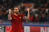 Roma s Daniele De Rossi greets fans at the end of the Uefa Champions League round of 16 second leg soccer match between Roma and Shakhtar Donetsk at Rome's Olympic stadium, March 13, 2018. Roma won. 1-0 to join the quarter finals.<br /> UPDATE IMAGES PRESS/Riccardo De Luca