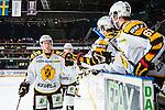 Stockholm 2013-12-07 Ishockey Elitserien AIK - Skellefte&aring; AIK :  <br /> Skellefte&aring;s Niclas Burstr&ouml;m jublar med lagkamrater efter 3-1 m&aring;let i &ouml;ppen m&aring;lbur<br /> (Foto: Kenta J&ouml;nsson) Nyckelord:  AIK Skellefte&aring; SAIK jubel gl&auml;dje lycka glad happy