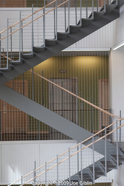 Stair case suspened by cables in new science building. (Photo/Joe Giblin)