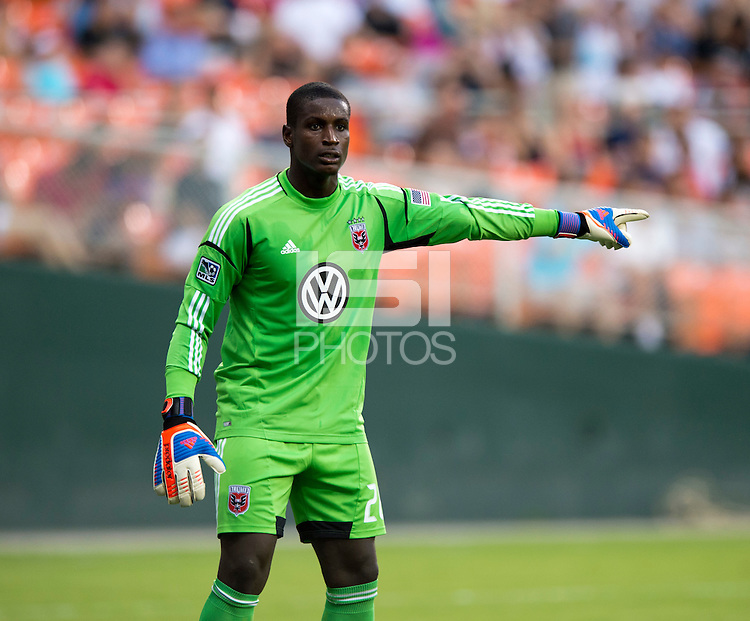 Bill Hamid (28) of D.C. United directs his team during the game at RFK Stadium in Washington, DC.  Paris Saint-Germain FC tied D.C. United, 1-1.