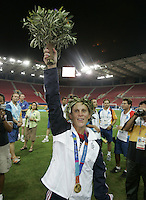 26 August 2004: Kristine Lilly during the Gold Medal game against Brazil at Karaiskakis Stadium in Athens, Greece. USA defeated Brazil, 2-1 in overtime. Credit: Michael Pimentel / ISI.