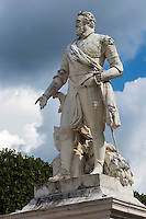 France, Aquitaine, Pyrénées-Atlantiques, Béarn, Pau : Statue d'Henri IV, Place Royale //  France, Pyrenees Atlantiques, Bearn, Pau