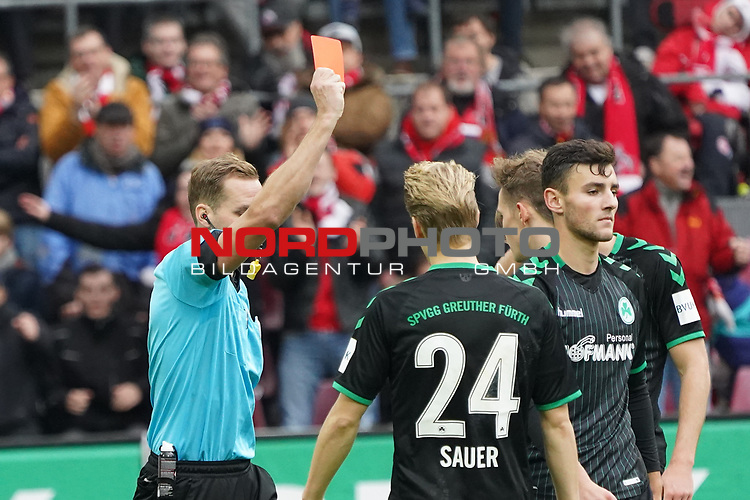 01.12.2018, RheinEnergieStadion, Koeln, GER, 2. FBL, 1.FC Koeln vs. SpVgg Greuther Fürth,<br />  <br /> DFL regulations prohibit any use of photographs as image sequences and/or quasi-video<br /> <br /> im Bild / picture shows: <br /> rote Karte für Maximilian Bauer (Fuerth #38), <br /> <br /> Foto © nordphoto / Meuter