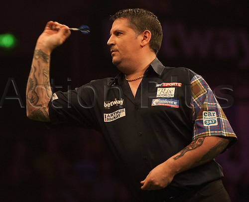 07.04.2016. The Sheffield Arena, Sheffield, England. Betway PDC Premier League Darts. Night 10. Gary Anderson [SCO] during his match against Phil Taylor [ENG]