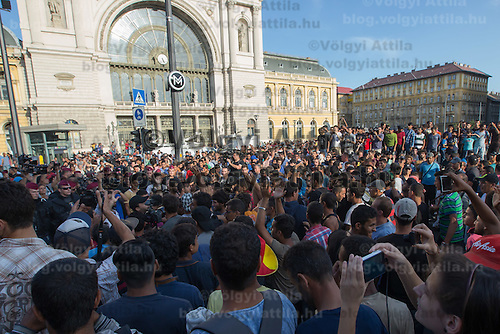 Illegal migrants protest against the circumstances at the transit zone they are kept in at the main railway station Keleti in Budapest, Hungary on September 02, 2015. ATTILA VOLGYI
