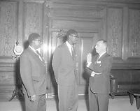 Patrice Lumumba à l'hôtel de ville de Montréal, 29 juillet 1960 en présence du maire Sarto Fournier