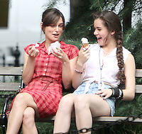 July 18, 2012 Keira Knightley and Hailee Steinfeld shooting on location for the new VH-1 movie Can a Song Save Your Life? in New York City. © RW/MediaPunch Inc. /*NORTEPHOTO.COM* **CREDITO*OBLIGATORIO** *No*Venta*A*Terceros*.*No*Sale*So*third* ***No*Se*Permite*Hacer Archivo***No*Sale*So*third*©Imagenes*