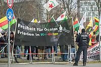 Kurden-Protest vor dem Kanzleramt anlaesslich des Besuch des tuerkischen Ministerpraesidenten Binali Yildirim bei Bundeskanzlerin Angela Merkel.<br /> Die Demonstranten forderten den Abzug tuerkischer Truppen aus dem Norden von Syrien, wo die Tuerkei die Stadt Afrin angreift um die dort lebenden Kurden zu vertreiben. Zudem forderten die Demonstranten, dass die Bundesregierung die Unterstuetzung der Tuerkei mit Waffen und Panzern beenden soll.<br /> 15.2.2018, Berlin<br /> Copyright: Christian-Ditsch.de<br /> [Inhaltsveraendernde Manipulation des Fotos nur nach ausdruecklicher Genehmigung des Fotografen. Vereinbarungen ueber Abtretung von Persoenlichkeitsrechten/Model Release der abgebildeten Person/Personen liegen nicht vor. NO MODEL RELEASE! Nur fuer Redaktionelle Zwecke. Don't publish without copyright Christian-Ditsch.de, Veroeffentlichung nur mit Fotografennennung, sowie gegen Honorar, MwSt. und Beleg. Konto: I N G - D i B a, IBAN DE58500105175400192269, BIC INGDDEFFXXX, Kontakt: post@christian-ditsch.de<br /> Bei der Bearbeitung der Dateiinformationen darf die Urheberkennzeichnung in den EXIF- und  IPTC-Daten nicht entfernt werden, diese sind in digitalen Medien nach §95c UrhG rechtlich geschuetzt. Der Urhebervermerk wird gemaess §13 UrhG verlangt.]