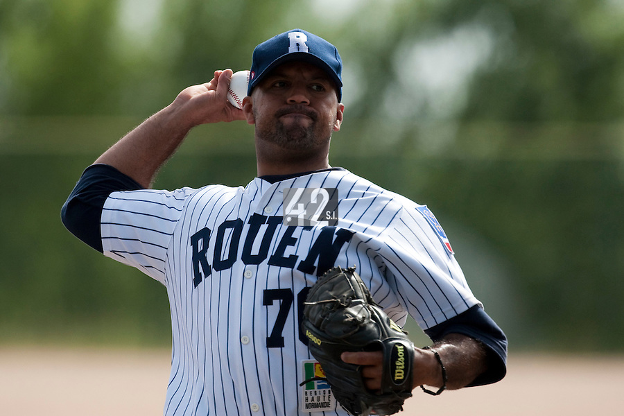 23 May 2009: Keino Perez of Rouen pitches against La Guerche during the 2009 challenge de France, a tournament with the best French baseball teams - all eight elite league clubs - to determine a spot in the European Cup next year, at Montpellier, France. Rouen wins 6-2 over La Guerche.