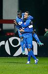 Nederland, Alkmaar, 21 december 2012.Eredivisie.Seizoen 2012-2013.AZ-FC Twente.Edwin Gyasi (l.) springt op de rug van Nacer Chadli na zijn doelpunt, 0-1