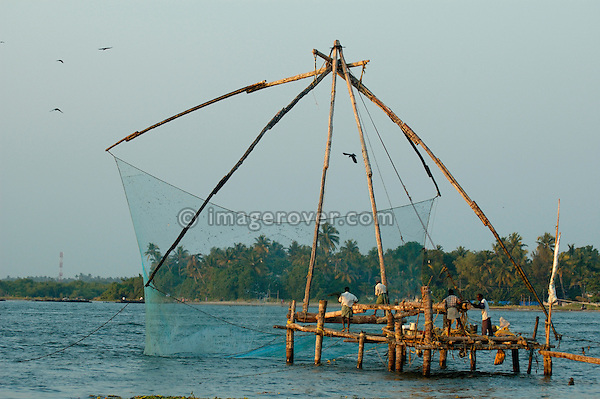 India, Kerala, Fort Cochin (Cochi, Kochi). Chinese style fishing net in Cochin harbour. No releases available.