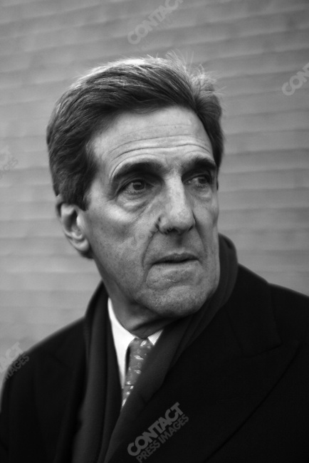 Senator John Kerry, photographed on the roof of the Westin Hotel, Greenville, SC, 7:40 a.m. January 30, 2004.