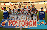 TUNJA - COLOMBIA -13 -03-2014: Los jugador de Alianza Petrolera, posan para una foto durante partido por la fecha 12 de la Liga Postobon I-2014, jugado en el estadio La Independencia de la ciudad de Tunja. / The players of Alianza Petrolera, pose for a photo during a match for the date 12th of the Liga Postobon I-2014 at the La Independencia  stadium in Tunja city, Photo: VizzorImage  / Jose M. Palencia / Str. (Best quality available)