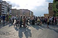 Roma 19 Giugno 2014<br /> Gli abitanti del Pigneto storico quartiere di Roma, hanno bloccato  per il terzo giorno consecutivo, le strade del quartiere,  per protestare contro lo spaccio di droga e la criminalit&agrave; organizzata, e chiedono un incontro con il sindaco di Roma Ignazio Marino.<br /> Rome June 19, 2014 <br /> The inhabitants of Pigneto historic district of Rome, blocked for the third consecutive day, the streets of the neighborhood, to protest against drug trafficking and organized crime, and ask for a meeting with the mayor of Rome Ignazio Marino